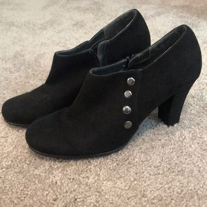 Aerosoles Black Suede Heeled Booties Sz 9